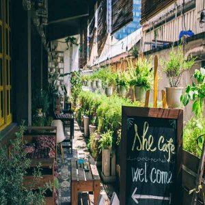 12-she-cafe