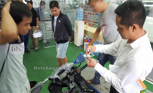 Moto-GSX150-4