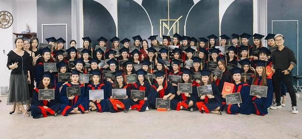yumi-academy-top-1-trung-tam-dao-tao-phun-xam-tham-my-tai-viet-nam-1