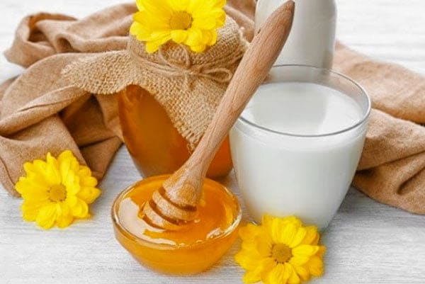 Mật ong kỵ sữa chua